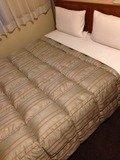 ダブルルームのダブルベッド