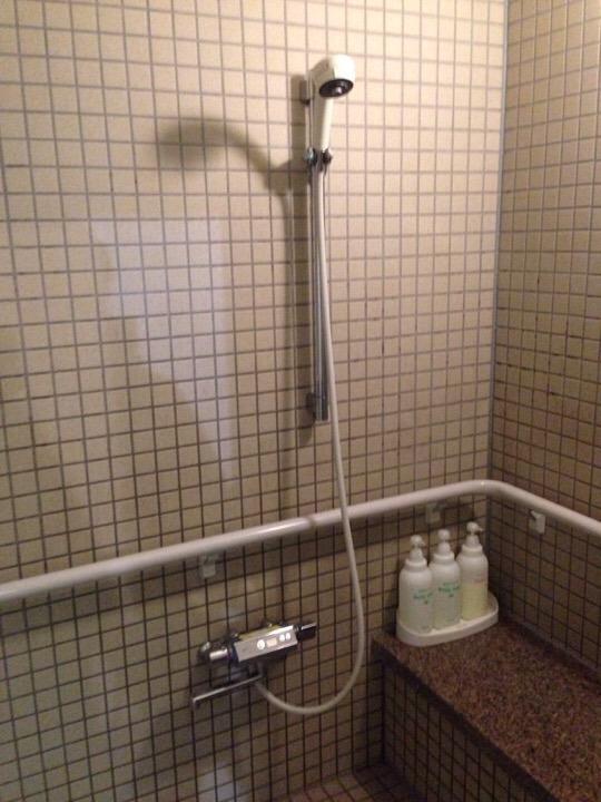 プール身障者用シャワー