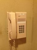脱衣所の内線電話