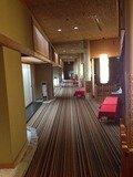 宴会棟の廊下