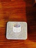 木響の湯脱衣所体重計