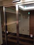 エレベーターホールから客室廊下へのドア