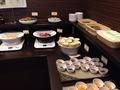 朝食ビュッフェ 総菜コーナー