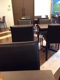 朝食ビュッフェ 座席テーブル