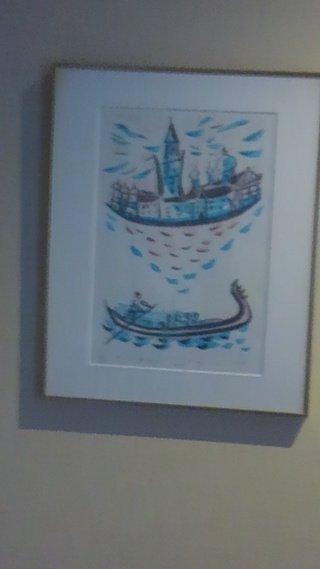 部屋の壁の絵