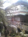 中庭から見た旅館です。