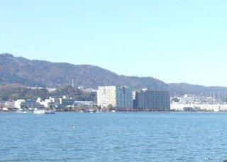ホテルの前はすぐ琵琶湖です。