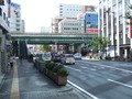江坂駅からは徒歩5分です。(江坂駅南口界隈の写真です)