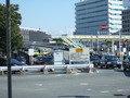 JR新大阪駅の正面口には徒歩4分くらいで行けます。