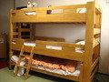 旅館ながしまの客室の3段ベッドです。