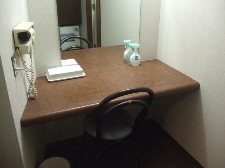 客室の仕切られた場所に一人用スペースがありました。