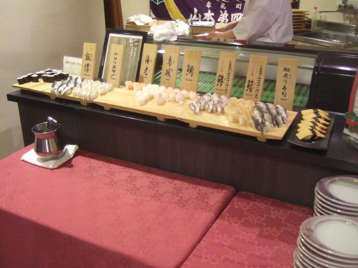 夕食バイキングの寿司コーナーです。