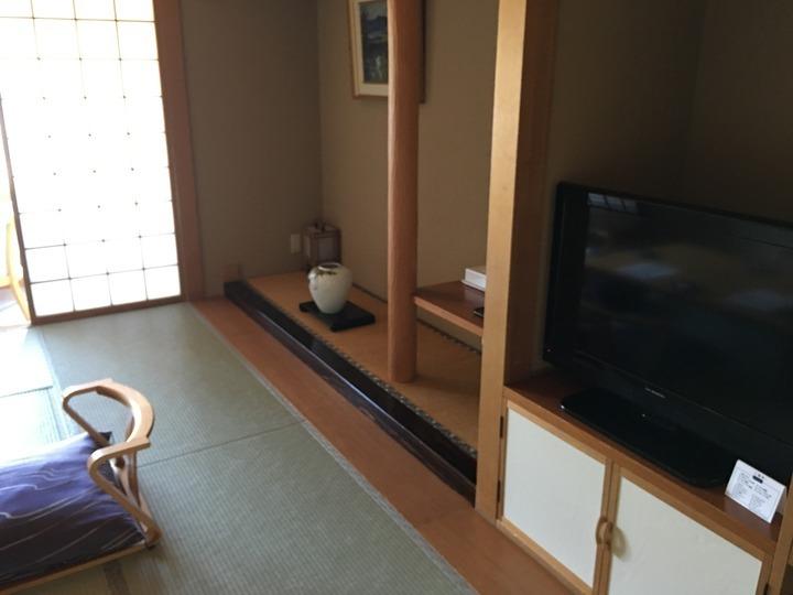 床の間とテレビ