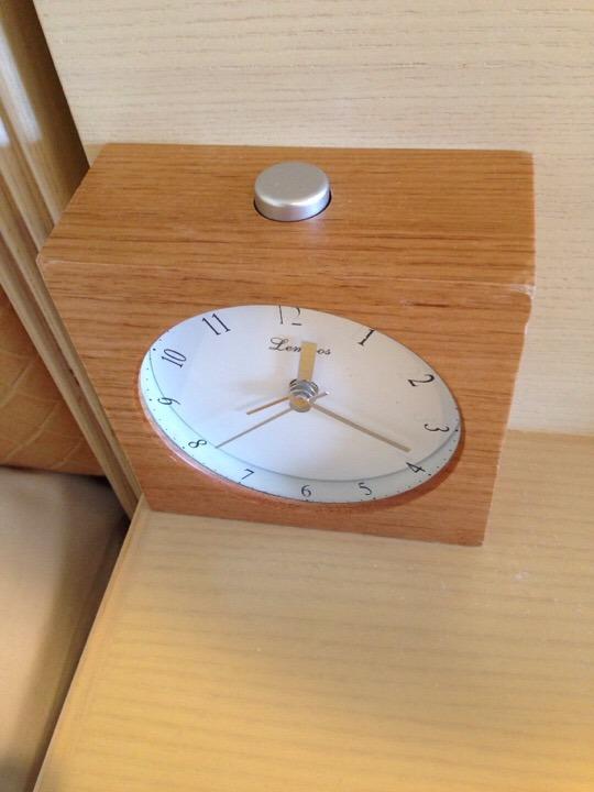 モノリスタワー客室目覚まし時計