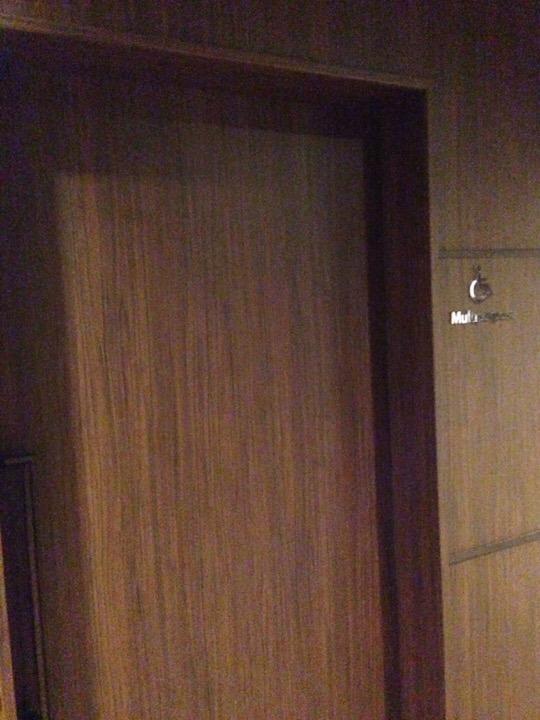 モノリスタワーロビーの車椅子用トイレ