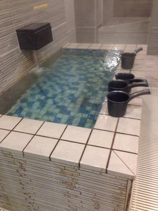 モノリスタワーすみの湯掛け湯