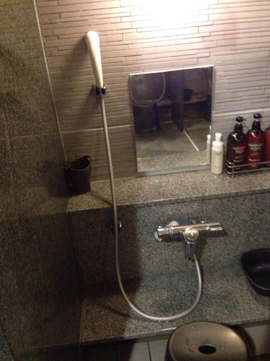 モノリスタワーすみの湯洗い場