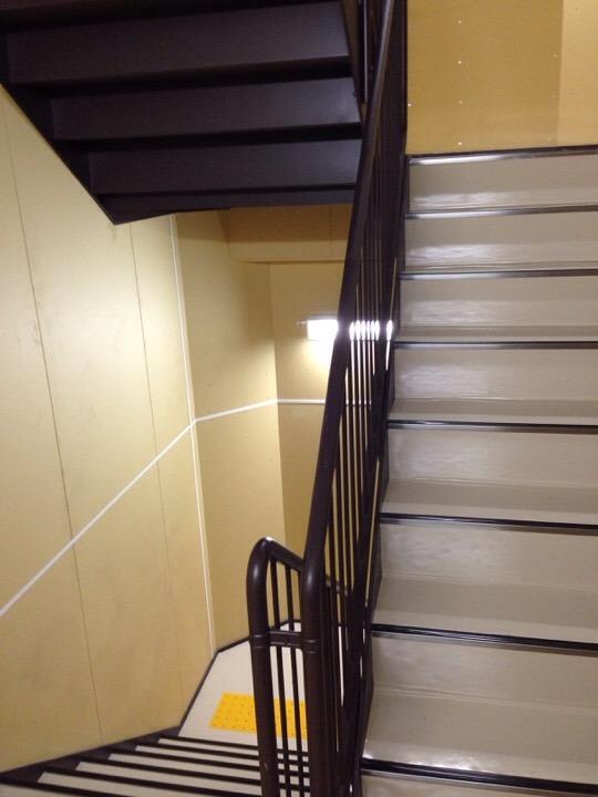 モノリスタワー階段