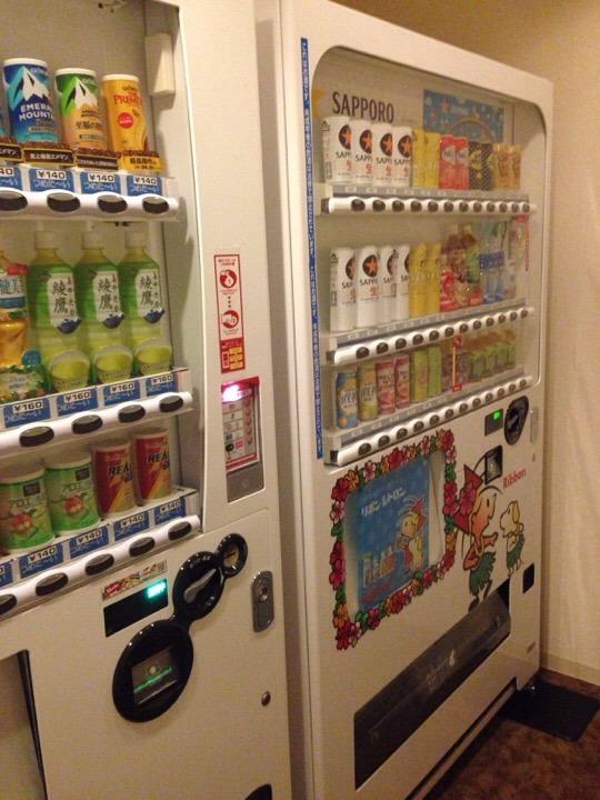 モノリスタワー飲料自販機