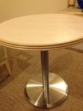 モノリスタワー客室テーブル