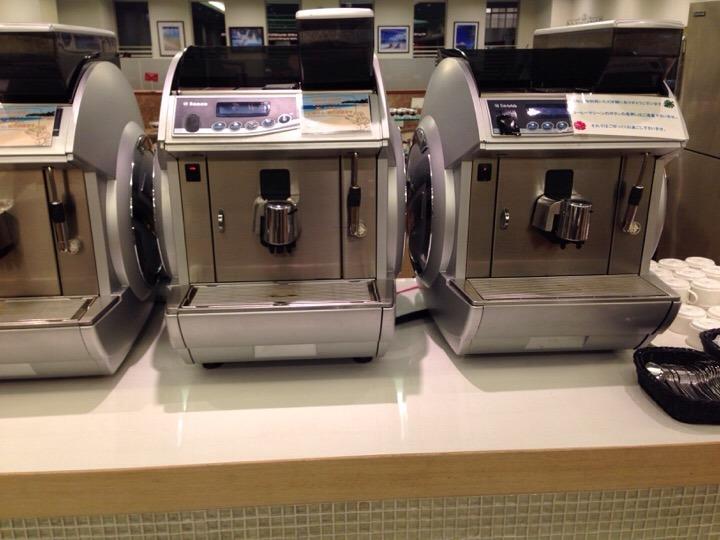 モノリスタワー夕食バイキング コーヒーマシン