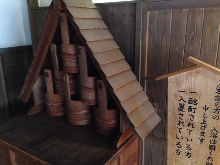 江戸情話夜市 昔の消火桶
