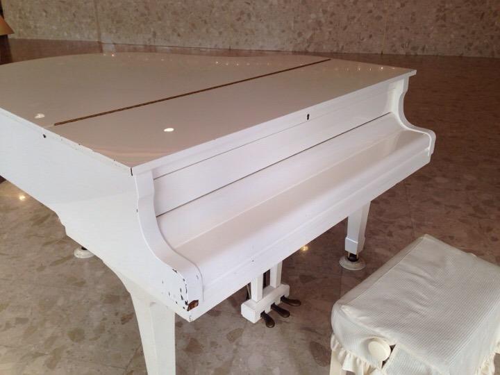 ホテルハワイアンズ 宴会フロアピアノ
