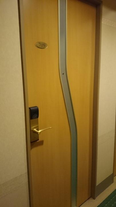 アパホテル高崎駅前の部屋のドア
