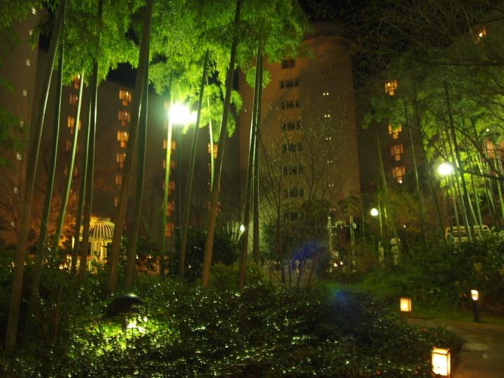 グランドプリンスホテル京都の中庭