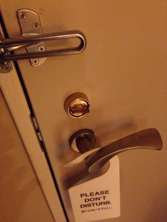 客室ドアの内側