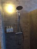 大浴場シャワーブース