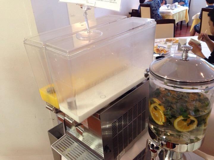 ウィルポート 朝食のジュース牛乳
