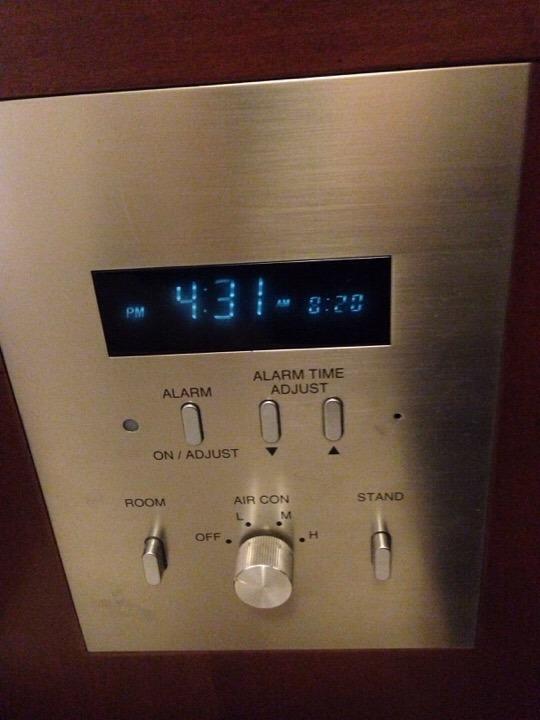 時計と各種スイッチ