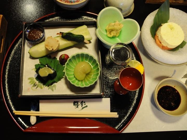 やっぱり熊本に来たら、馬刺しを食べて大満足。