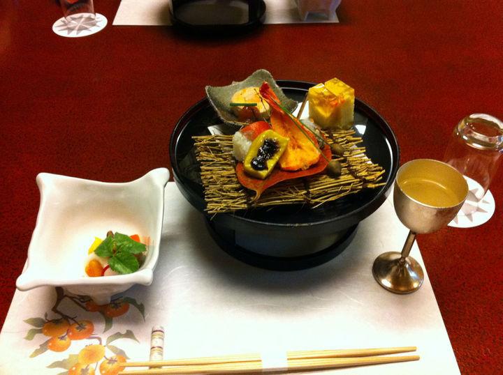 旬の素材というものにこだわりを見せたお料理がとても良い。