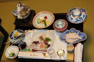写真クチコミ:地元の海山の幸を贅沢に使った料理は絶品