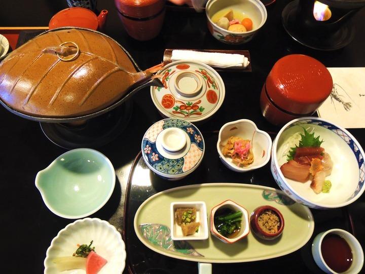 金目鯛はお味噌汁から釜飯、煮付けまで丸々美味しかった。