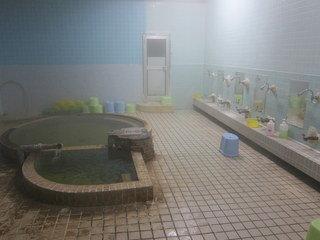 写真クチコミ:ちょっぴり塩味のする源泉かけ流しの温泉は体がよく温まる。