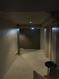 真っ暗な廊下