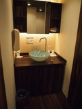 洗面は落ち着いた雰囲気です。