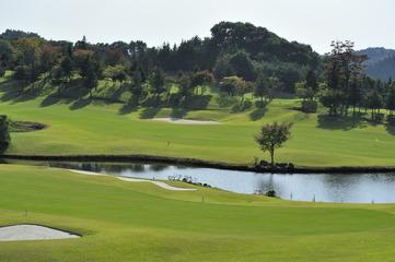 隣接ゴルフ場「アイランドゴルフリゾート那須」