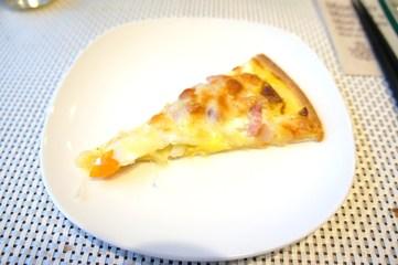 朝からピザ頂けます