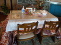 ロビーのテーブルと椅子