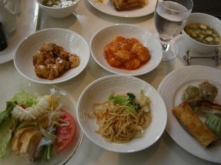 中華レストラン「孔雀庁」のバイキング料理♪