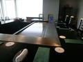 鉄板を囲んだカウンター席アップ