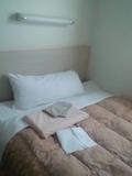 寝返りが打てる大きなベッド