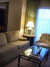 ホテルのソファ