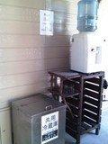 共用冷蔵庫とウォーターサーバー