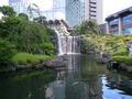 日本庭園の滝で涼みました!