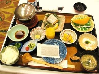 朝食(和食)です。